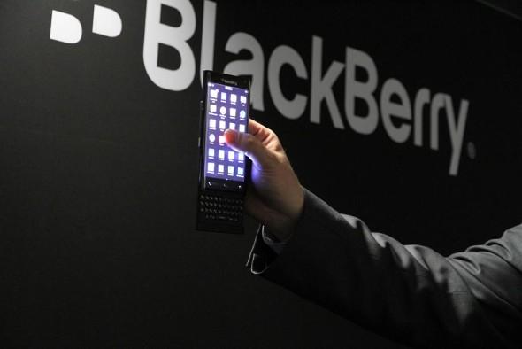 بلکبری ( blackberry ) - ساخت اندرویدفون توسط بلک بری