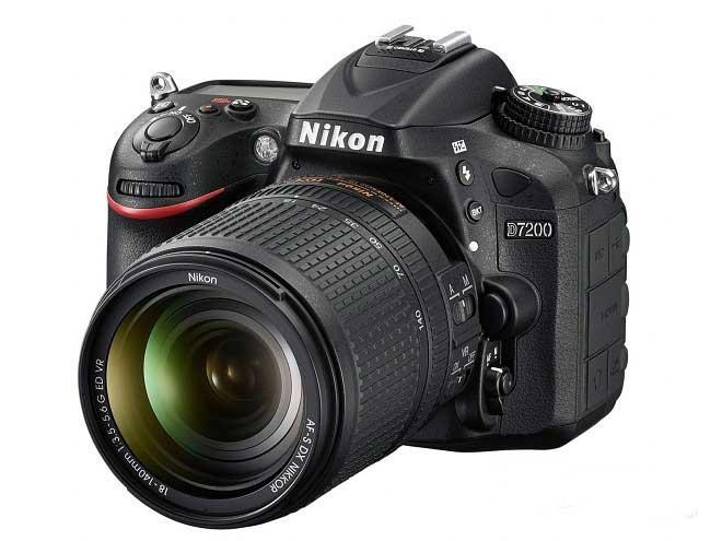 نیکون D7200 - معرفی Nikon D7200 با وایفای و NFC